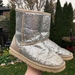 Authentic Ugg Australia Silver Sequin Glitter Short Cozy Winter Boots.